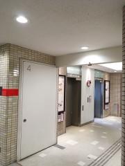 2.エレベーターまたはエスカレーターで1Fにおります
